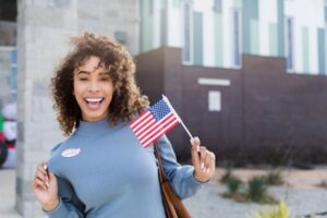 Difference Between U.S. Permanent Resident Status and U.S. Citizenship